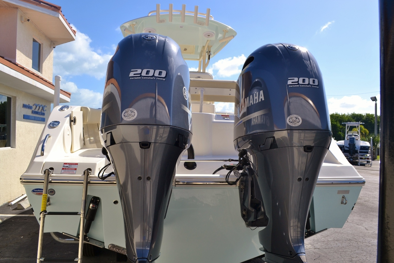 Thumbnail 5 for New 2016 Cobia 277 Center Console boat for sale in Vero Beach, FL