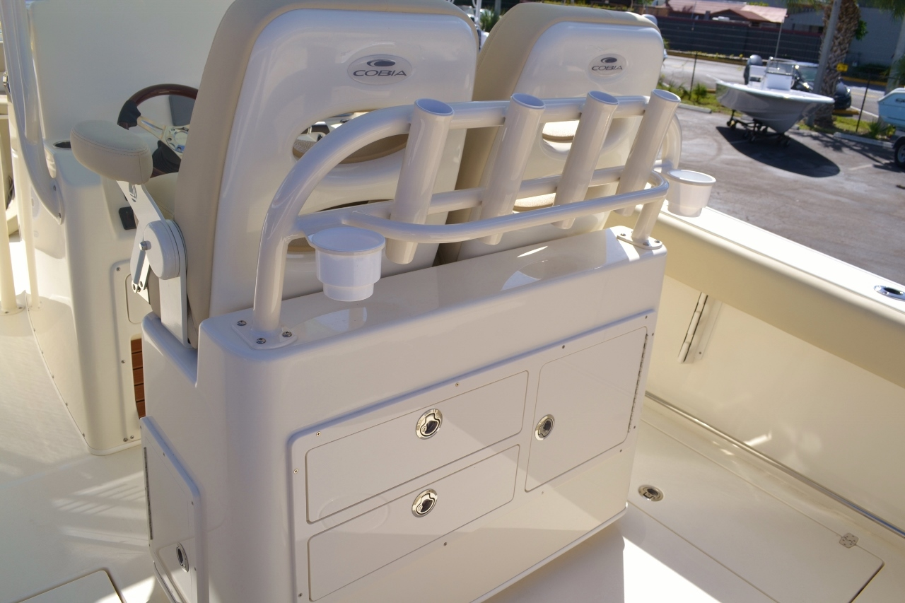 Thumbnail 12 for New 2016 Cobia 277 Center Console boat for sale in Vero Beach, FL