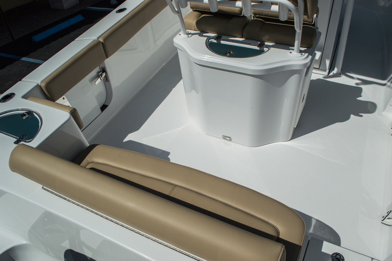 Thumbnail 9 for New 2016 Sportsman Heritage 251 Center Console boat for sale in West Palm Beach, FL