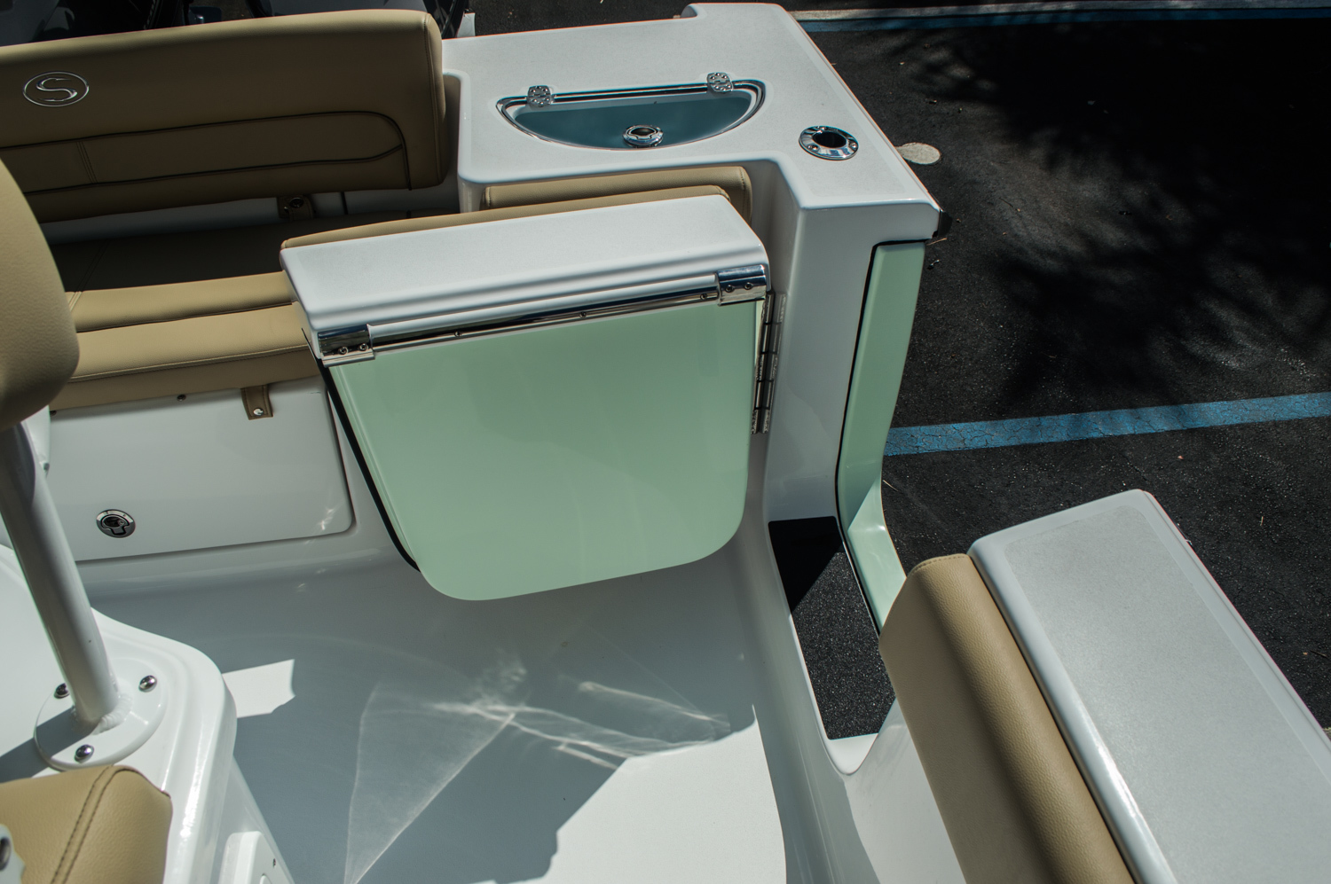 Thumbnail 54 for New 2016 Sportsman Heritage 251 Center Console boat for sale in Miami, FL
