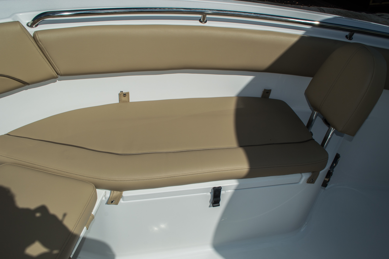 Thumbnail 14 for New 2016 Sportsman Heritage 251 Center Console boat for sale in Miami, FL