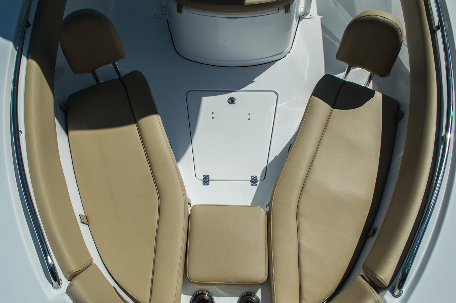 Thumbnail 18 for New 2016 Sportsman Heritage 251 Center Console boat for sale in Miami, FL