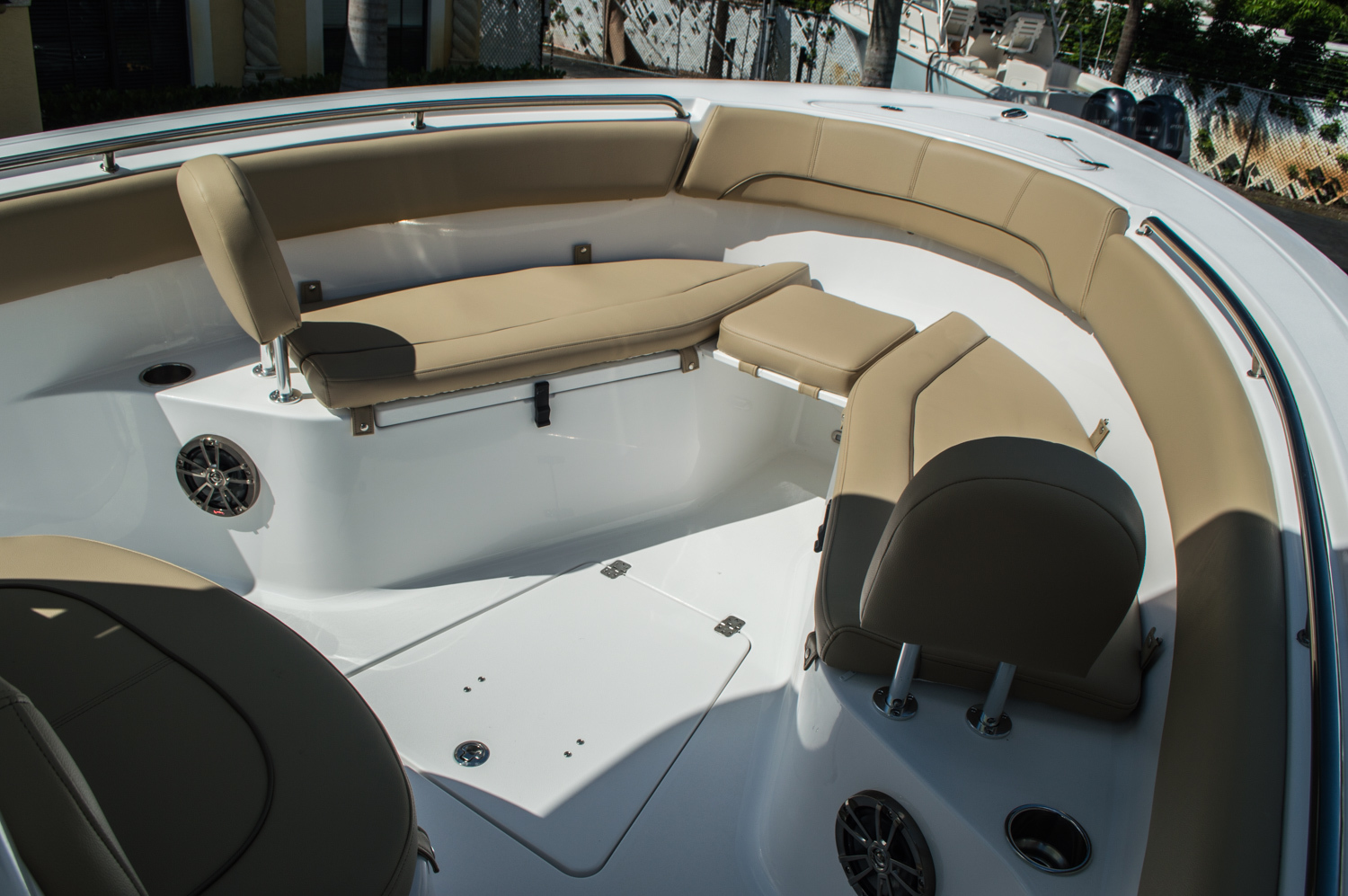 Thumbnail 11 for New 2016 Sportsman Heritage 251 Center Console boat for sale in Miami, FL