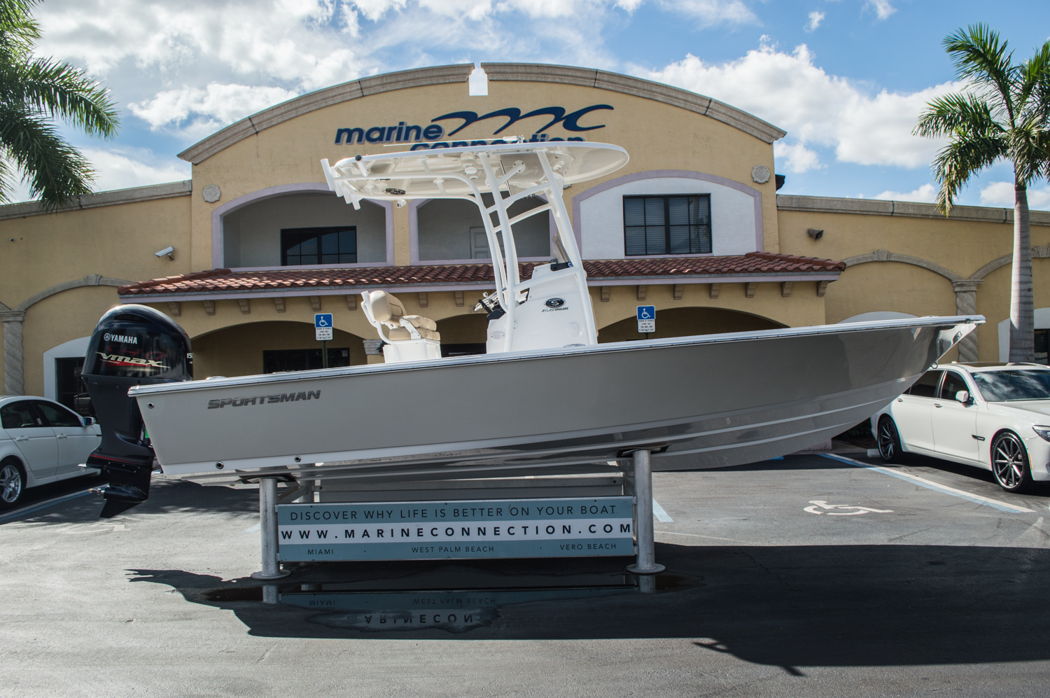 Thumbnail 8 for New 2016 Sportsman Masters 227 Bay Boat boat for sale in West Palm Beach, FL
