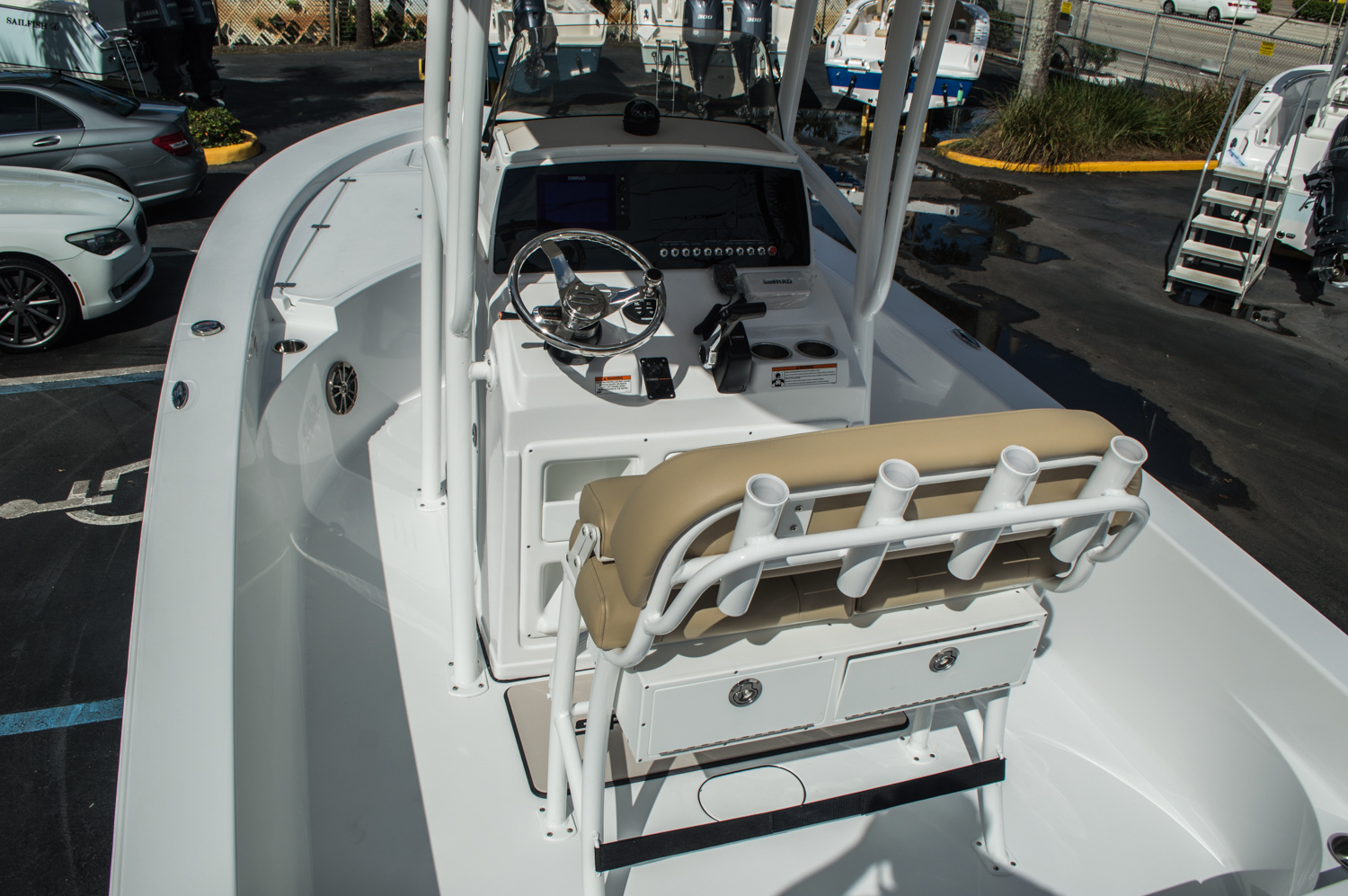 Thumbnail 9 for New 2016 Sportsman Masters 227 Bay Boat boat for sale in West Palm Beach, FL