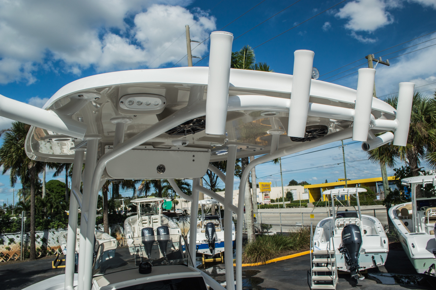 Thumbnail 10 for New 2016 Sportsman Masters 227 Bay Boat boat for sale in West Palm Beach, FL