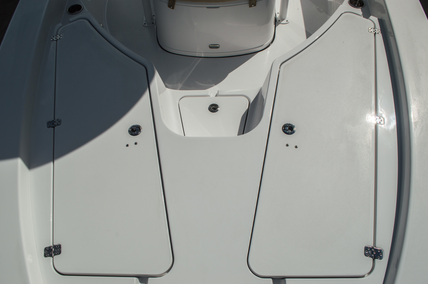 Thumbnail 19 for New 2016 Sportsman Masters 227 Bay Boat boat for sale in West Palm Beach, FL