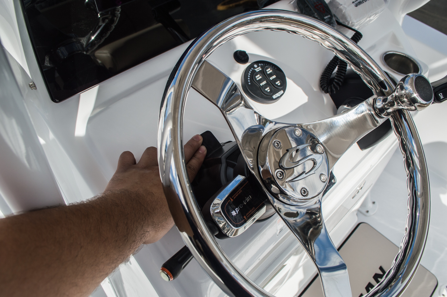 Thumbnail 34 for New 2016 Sportsman Masters 227 Bay Boat boat for sale in West Palm Beach, FL