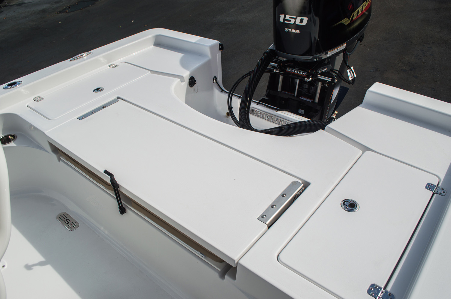 Thumbnail 40 for New 2016 Sportsman Masters 227 Bay Boat boat for sale in West Palm Beach, FL