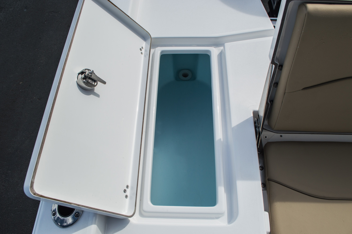 Thumbnail 45 for New 2016 Sportsman Masters 227 Bay Boat boat for sale in West Palm Beach, FL