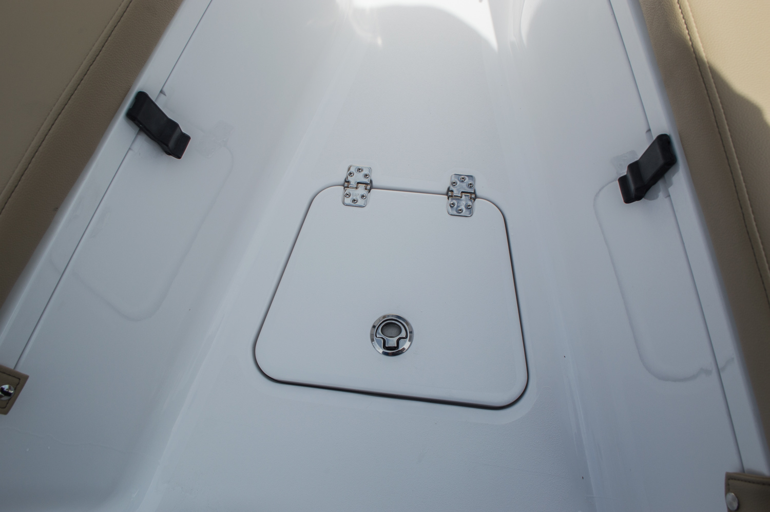 Thumbnail 20 for New 2016 Sportsman Open 212 Center Console boat for sale in Miami, FL