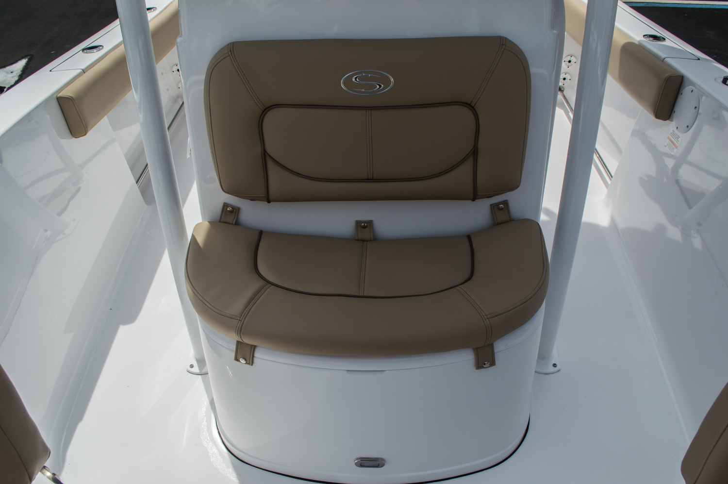 Thumbnail 22 for New 2016 Sportsman Open 212 Center Console boat for sale in Miami, FL