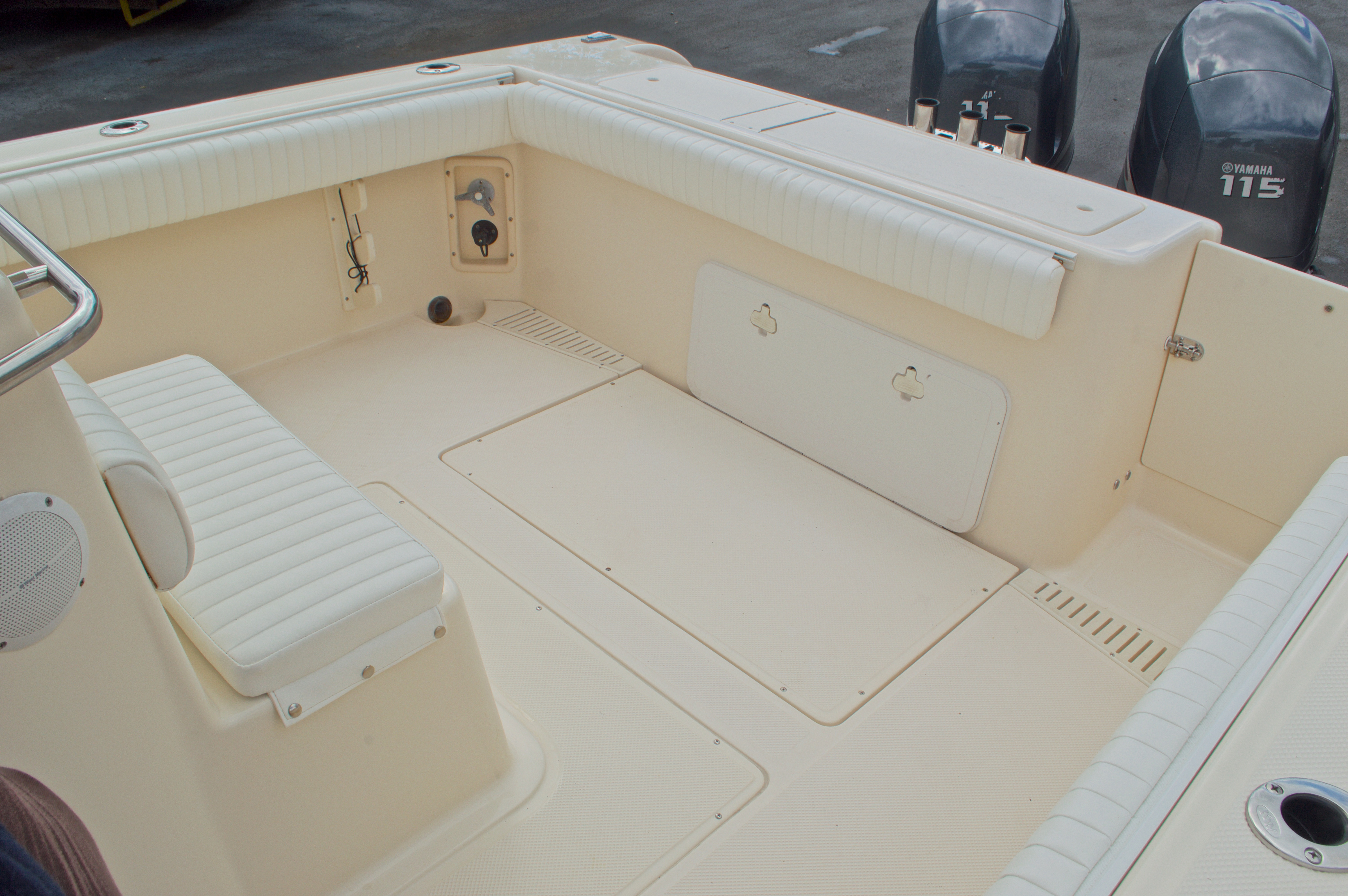 Thumbnail 17 for Used 2005 Key West 2300 WA Walkaround boat for sale in West Palm Beach, FL