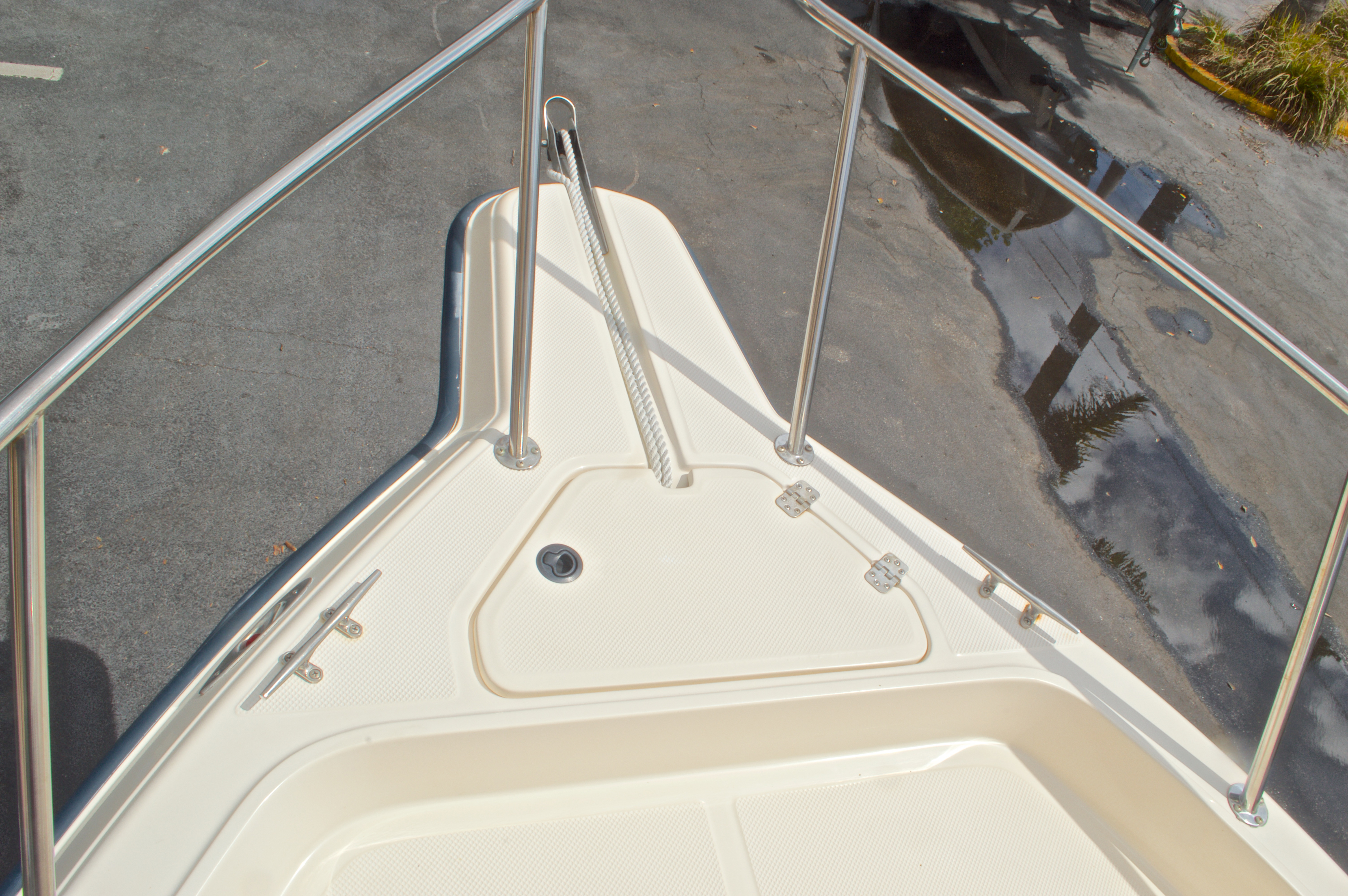 Thumbnail 40 for Used 2005 Key West 2300 WA Walkaround boat for sale in West Palm Beach, FL