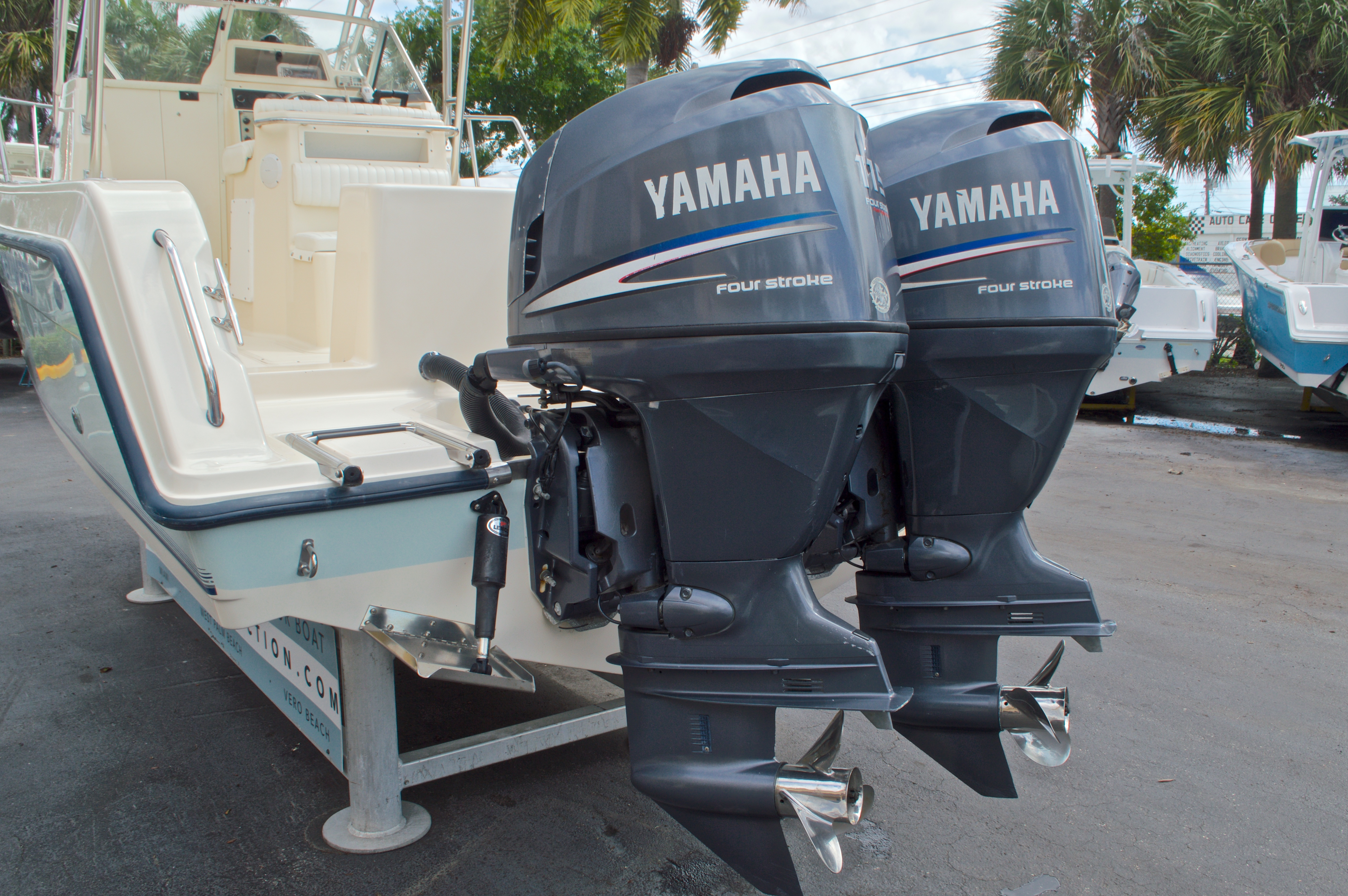 Thumbnail 9 for Used 2005 Key West 2300 WA Walkaround boat for sale in West Palm Beach, FL