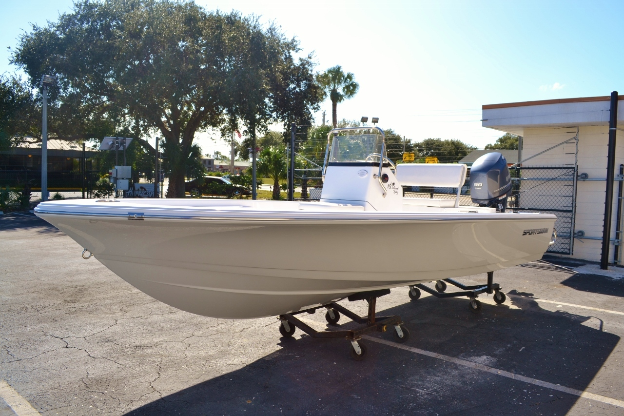 Thumbnail 3 for New 2016 Sportsman 18 Island Bay boat for sale in Vero Beach, FL