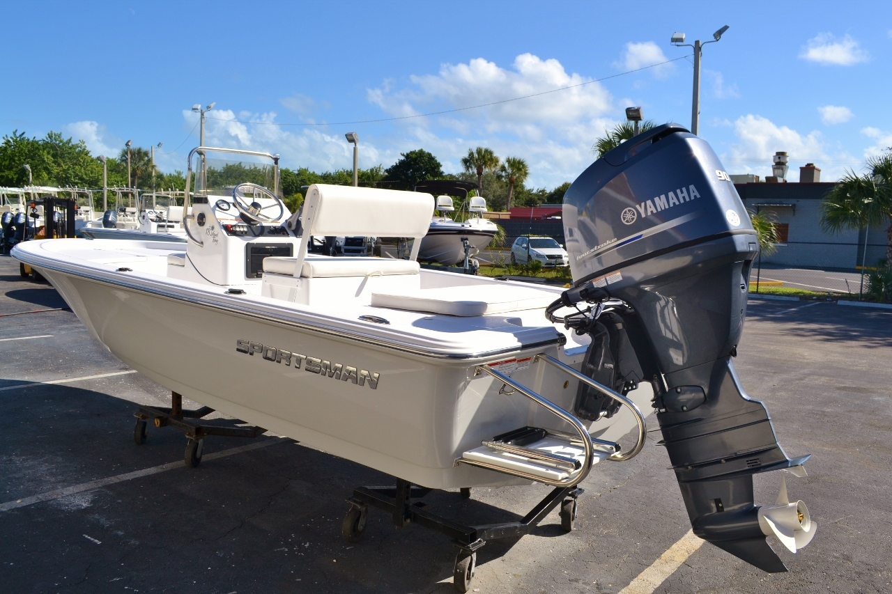 Thumbnail 4 for New 2016 Sportsman 18 Island Bay boat for sale in Vero Beach, FL