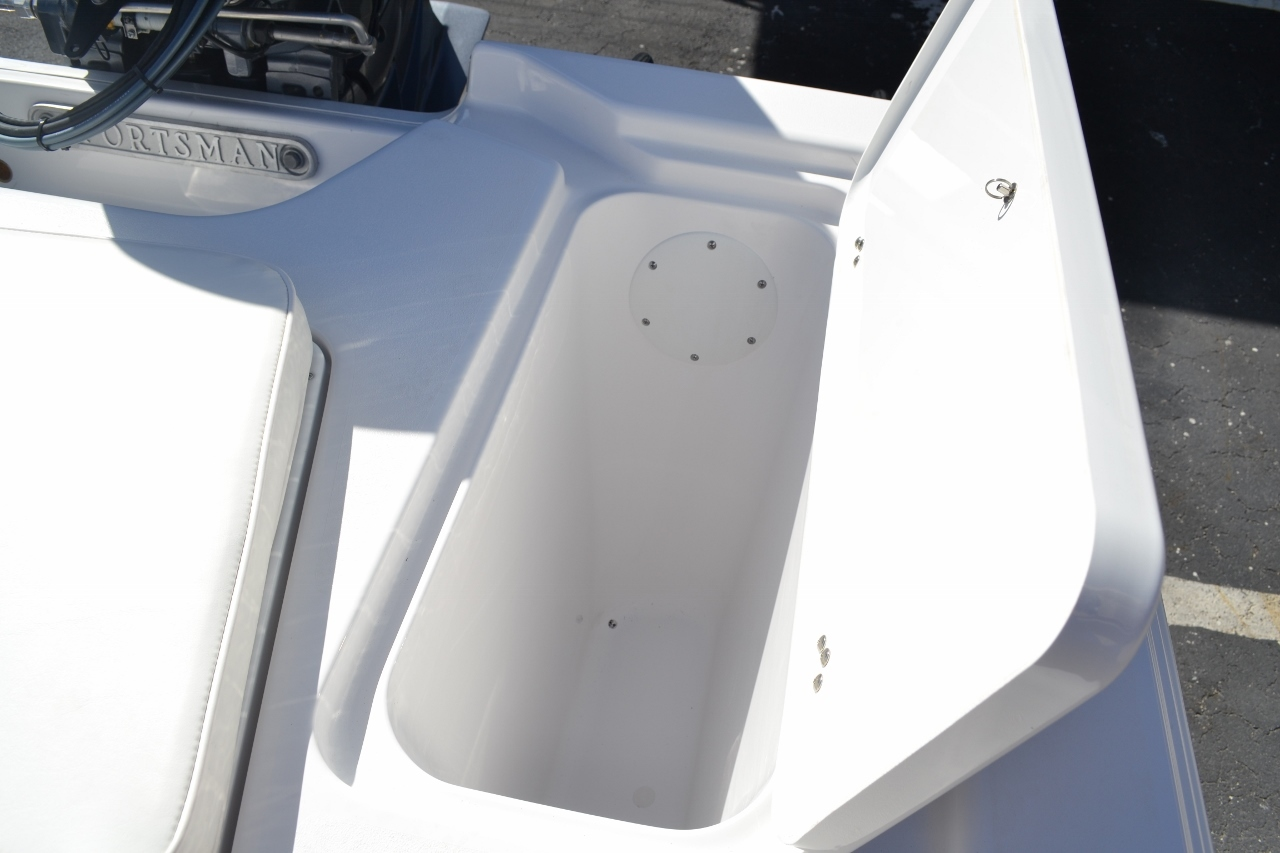 Thumbnail 19 for New 2016 Sportsman 18 Island Bay boat for sale in Vero Beach, FL