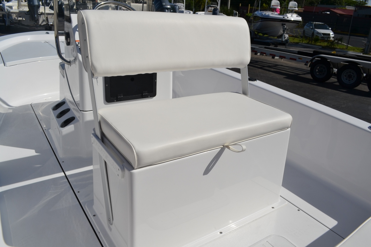 Thumbnail 21 for New 2016 Sportsman 18 Island Bay boat for sale in Vero Beach, FL