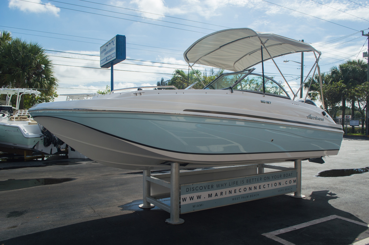 Thumbnail 3 for New 2016 Hurricane SunDeck SD 187 OB boat for sale in West Palm Beach, FL