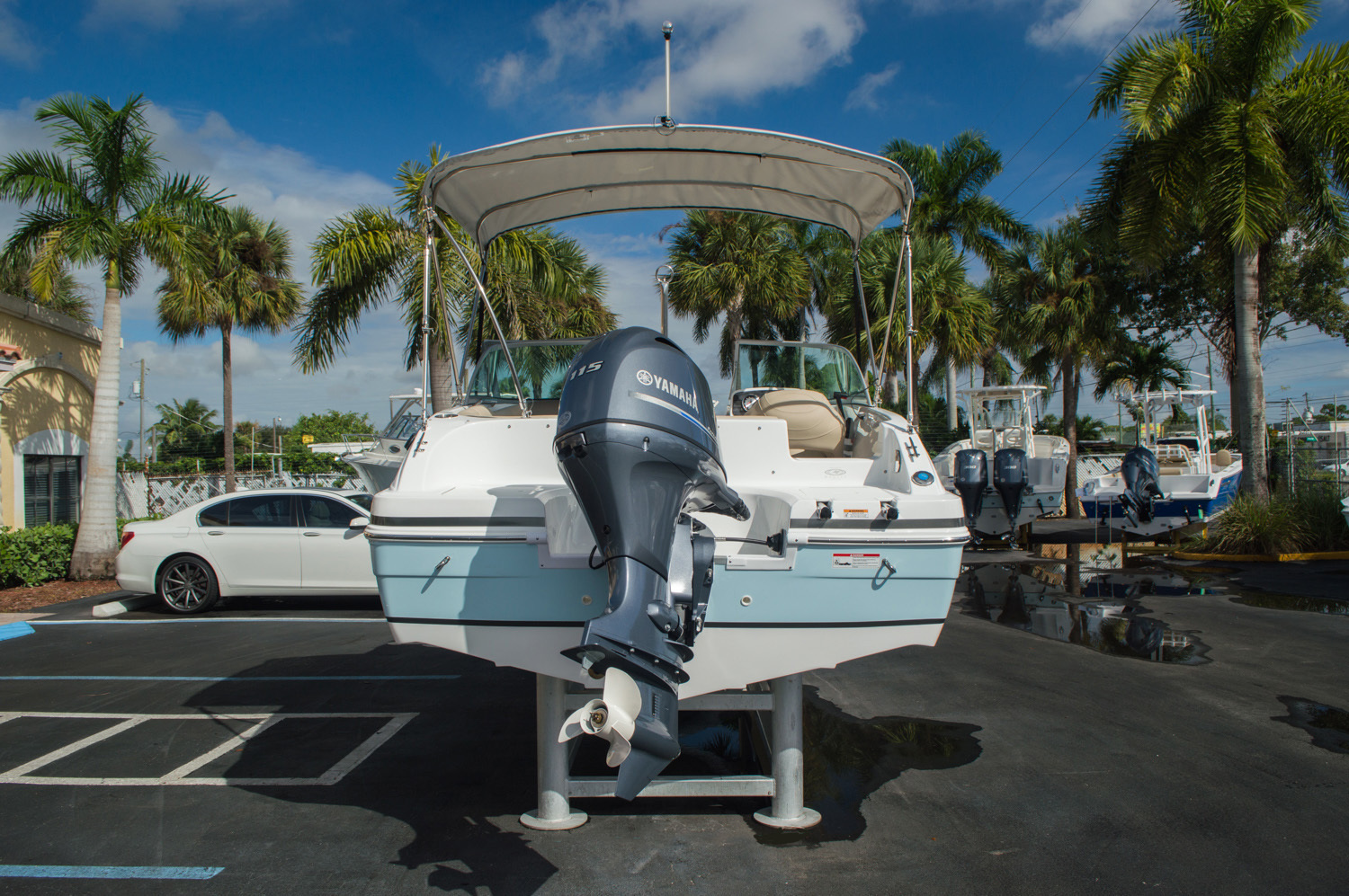 Thumbnail 6 for New 2016 Hurricane SunDeck SD 187 OB boat for sale in West Palm Beach, FL