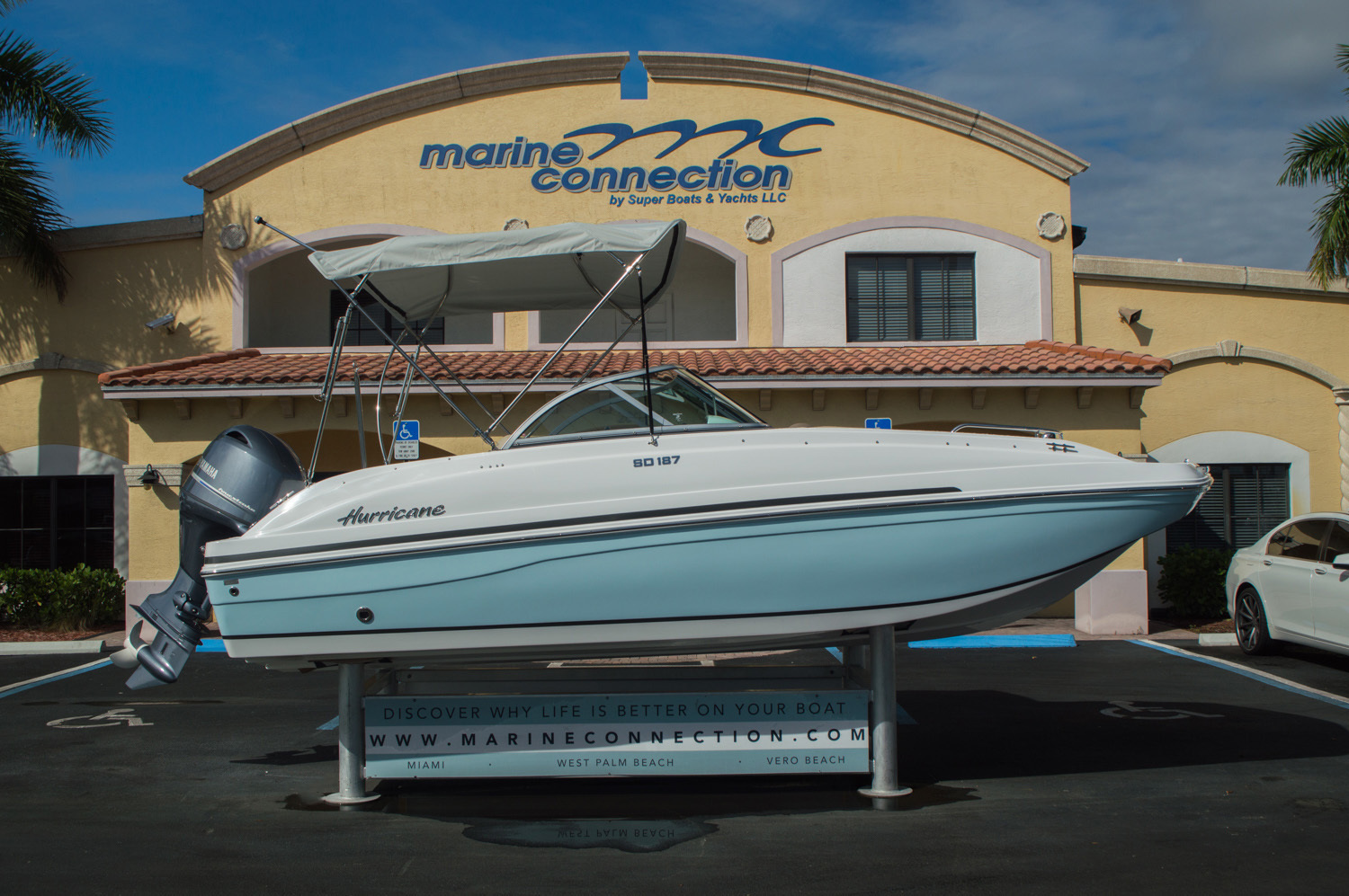 Thumbnail 8 for New 2016 Hurricane SunDeck SD 187 OB boat for sale in West Palm Beach, FL