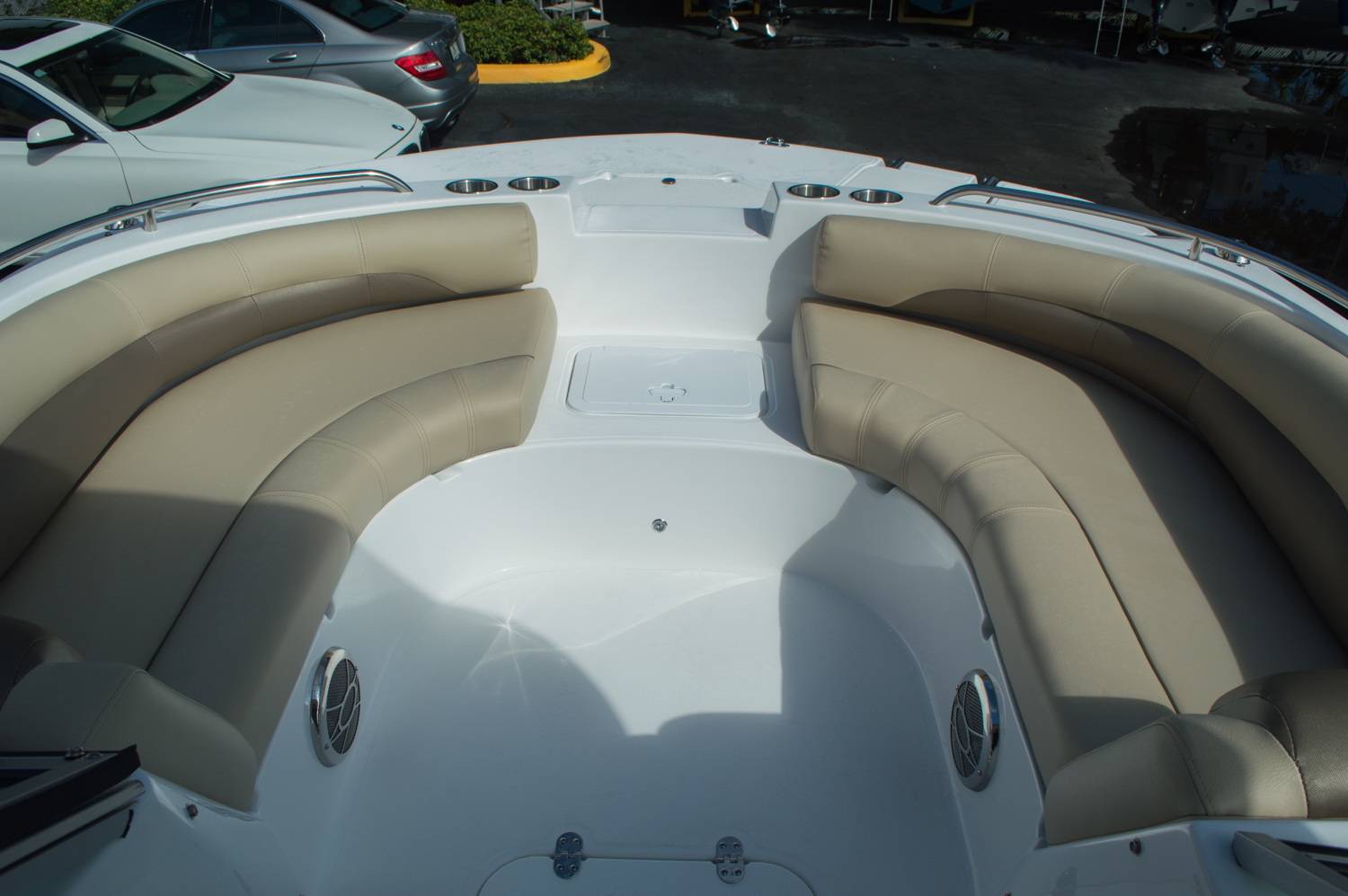 Thumbnail 11 for New 2016 Hurricane SunDeck SD 187 OB boat for sale in West Palm Beach, FL