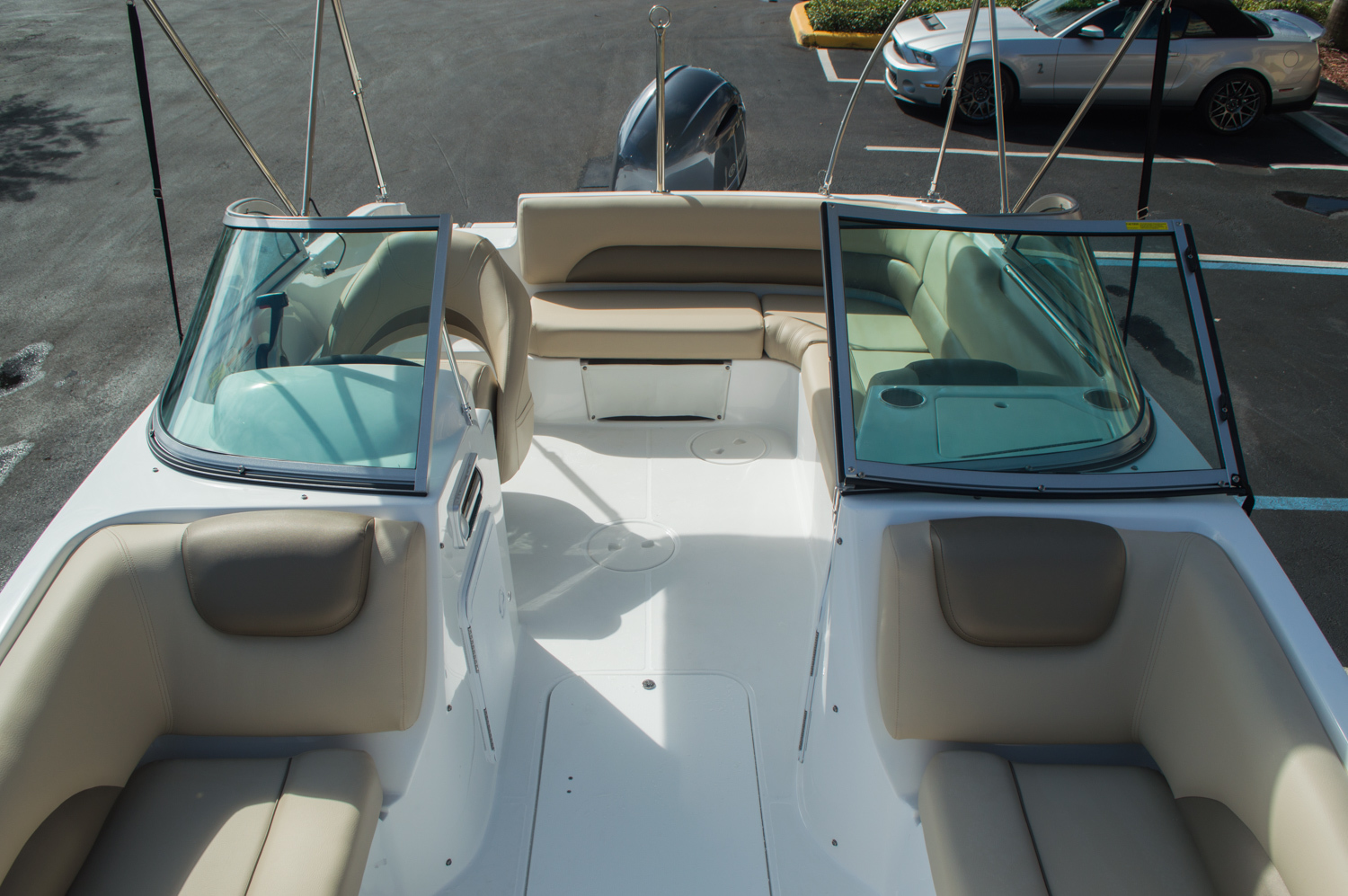 Thumbnail 20 for New 2016 Hurricane SunDeck SD 187 OB boat for sale in West Palm Beach, FL