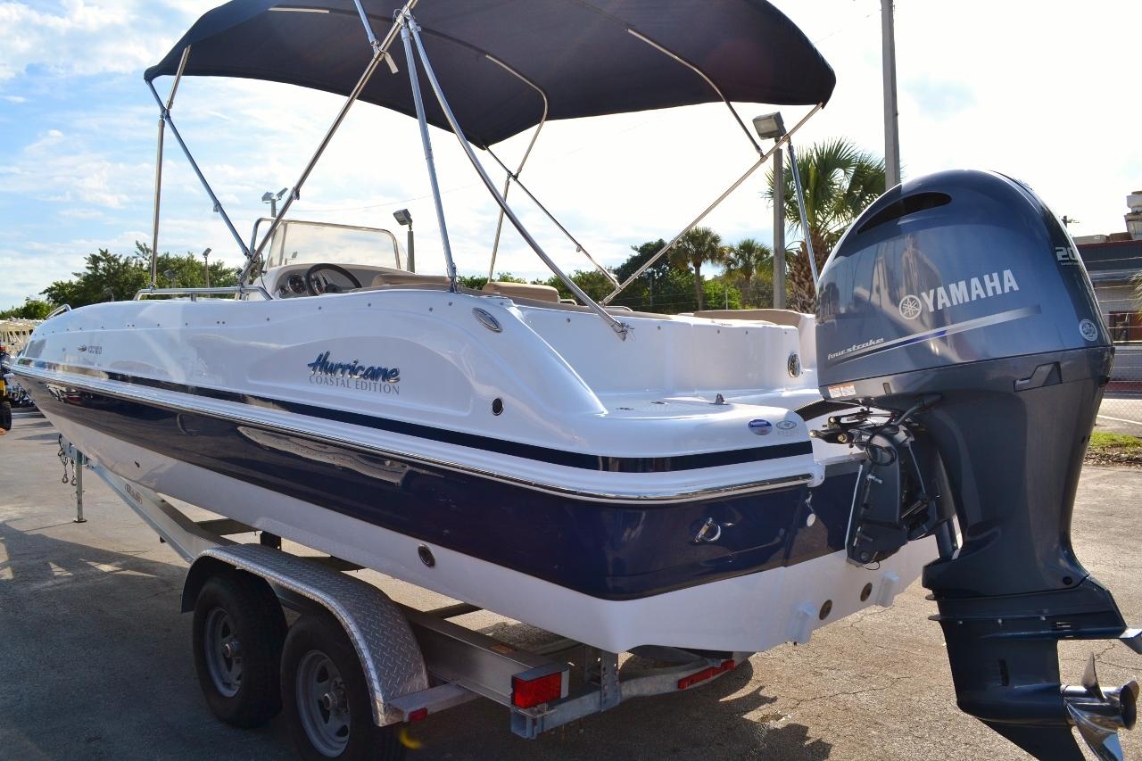 Thumbnail 5 for New 2016 Hurricane Sundeck Sport SS 231 OB boat for sale in Vero Beach, FL