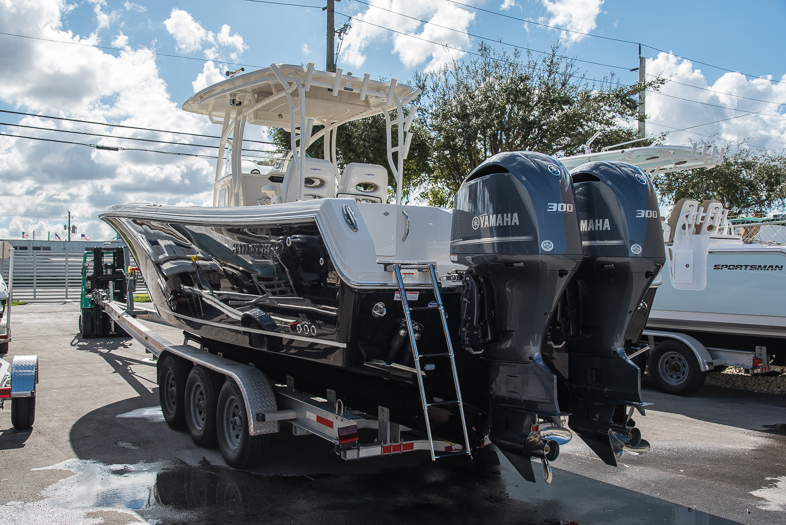 Thumbnail 1 for New 2016 Sailfish 320 CC Center Console boat for sale in West Palm Beach, FL