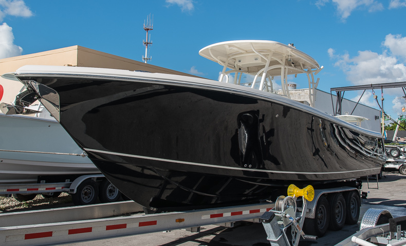 Thumbnail 8 for New 2016 Sailfish 320 CC Center Console boat for sale in West Palm Beach, FL