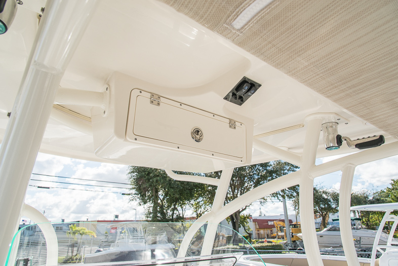 Thumbnail 17 for New 2016 Sailfish 320 CC Center Console boat for sale in West Palm Beach, FL