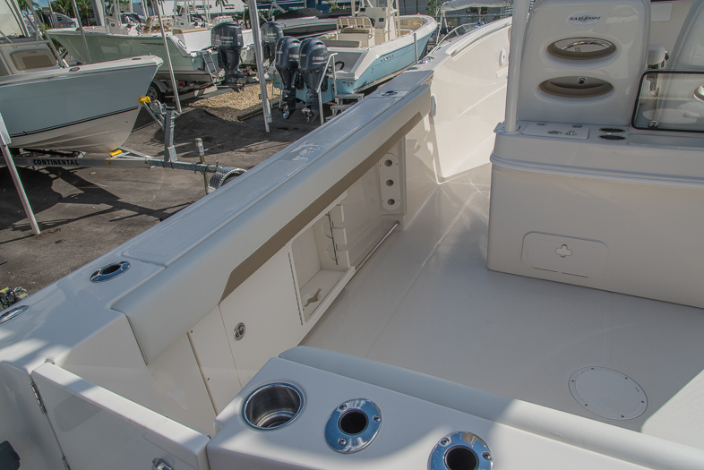 Thumbnail 22 for New 2016 Sailfish 320 CC Center Console boat for sale in West Palm Beach, FL