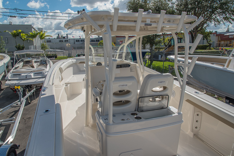 Thumbnail 23 for New 2016 Sailfish 320 CC Center Console boat for sale in West Palm Beach, FL