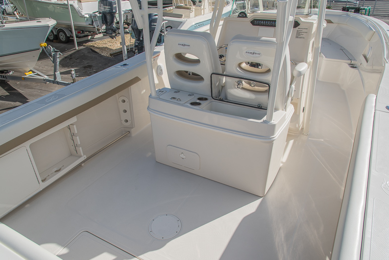 Thumbnail 26 for New 2016 Sailfish 320 CC Center Console boat for sale in West Palm Beach, FL