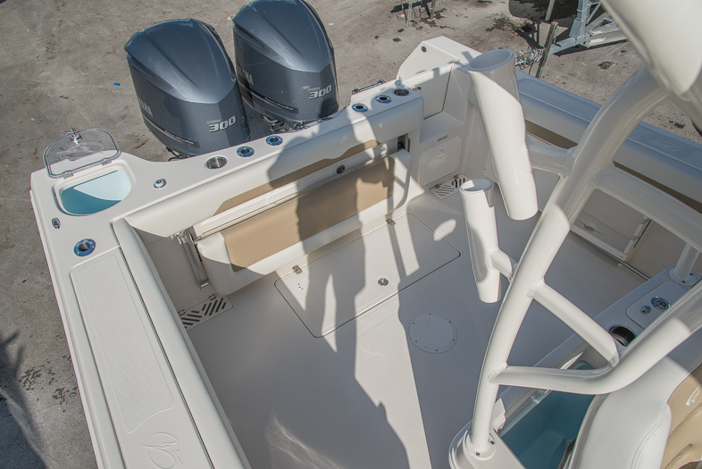 Thumbnail 28 for New 2016 Sailfish 320 CC Center Console boat for sale in West Palm Beach, FL