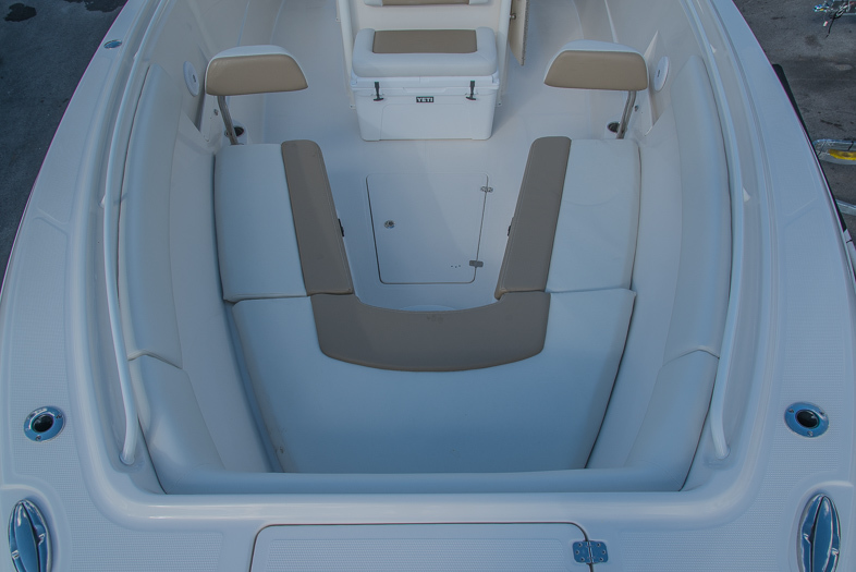 Thumbnail 51 for New 2016 Sailfish 320 CC Center Console boat for sale in West Palm Beach, FL