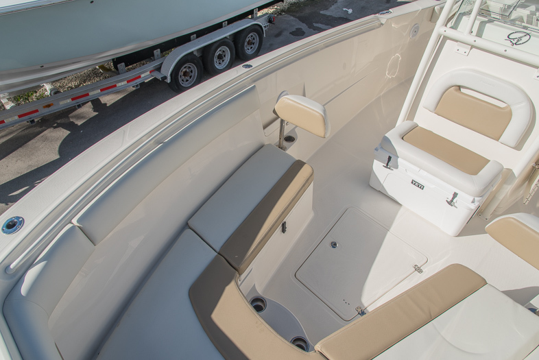Thumbnail 54 for New 2016 Sailfish 320 CC Center Console boat for sale in West Palm Beach, FL