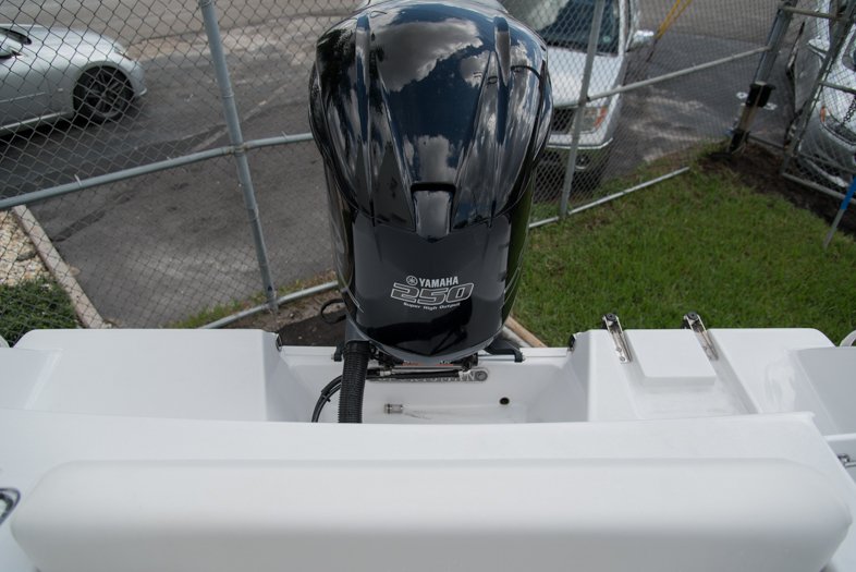 Thumbnail 15 for New 2016 Sportsman Open 232 XTREME Center Console boat for sale in West Palm Beach, FL