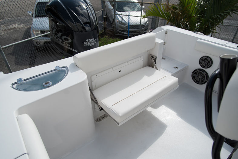 Thumbnail 22 for New 2016 Sportsman Open 232 XTREME Center Console boat for sale in West Palm Beach, FL