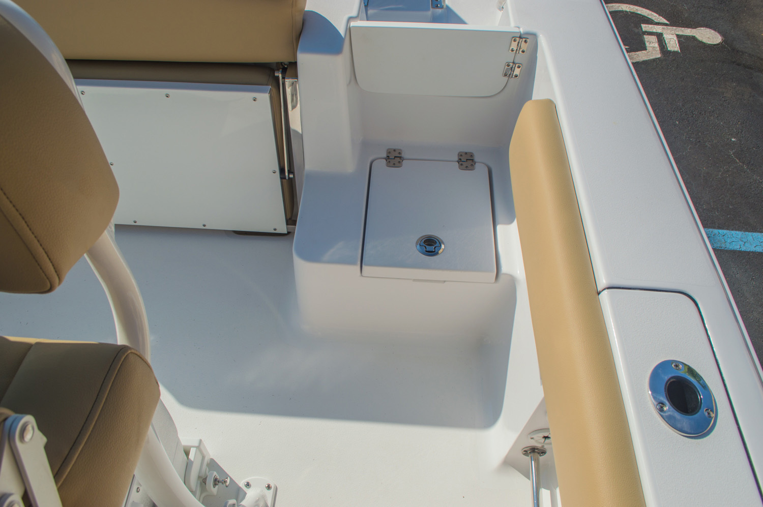 Thumbnail 20 for New 2016 Sportsman Open 212 Center Console boat for sale in West Palm Beach, FL