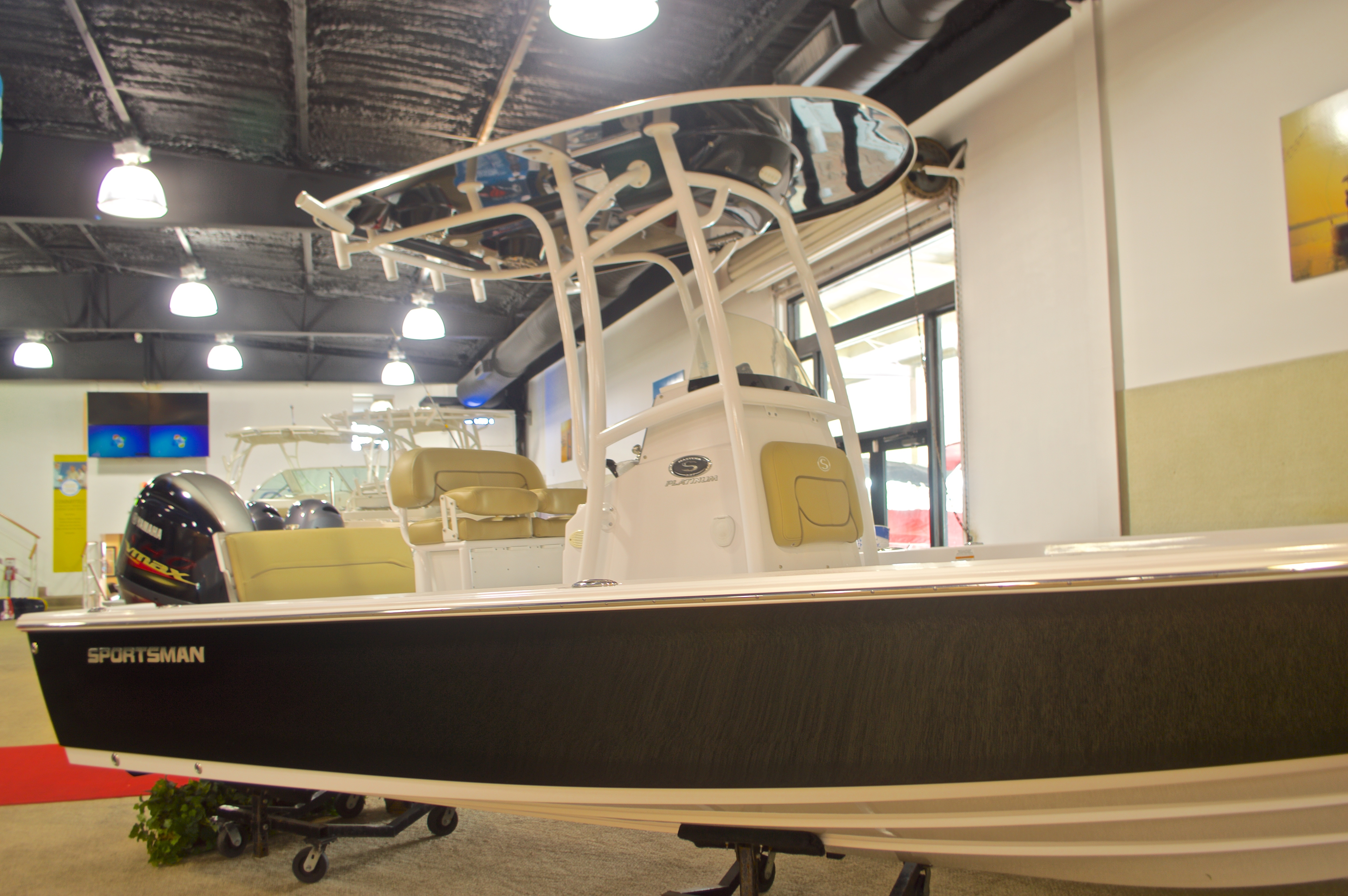 Thumbnail 3 for New 2016 Sportsman Masters 227 Bay Boat boat for sale in Miami, FL
