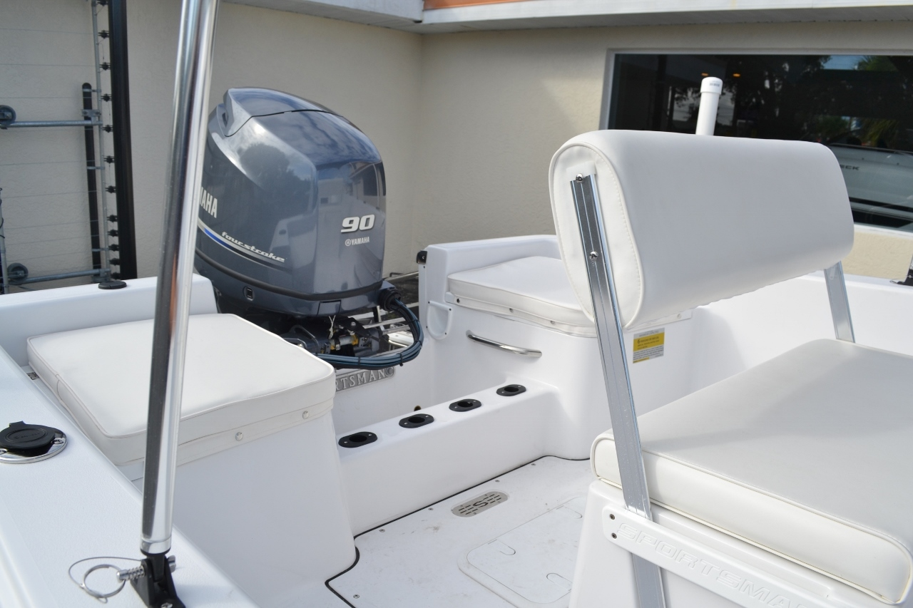 Thumbnail 18 for New 2016 Sportsman 19 Island Reef boat for sale in Miami, FL