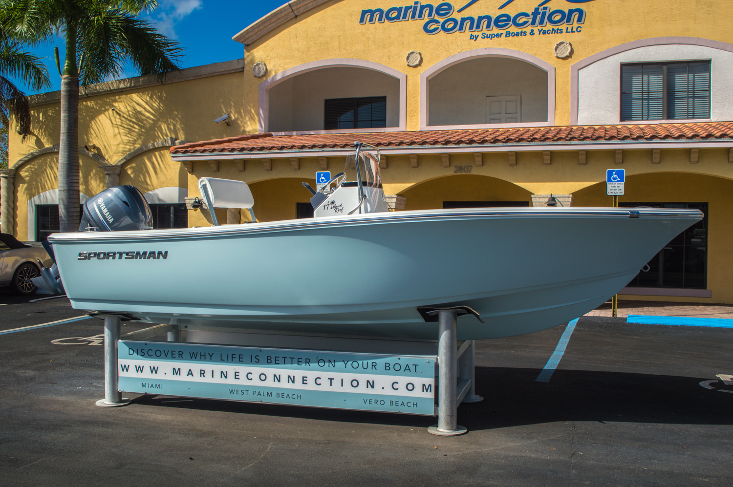 Thumbnail 1 for New 2016 Sportsman 17 Island Reef boat for sale in Vero Beach, FL