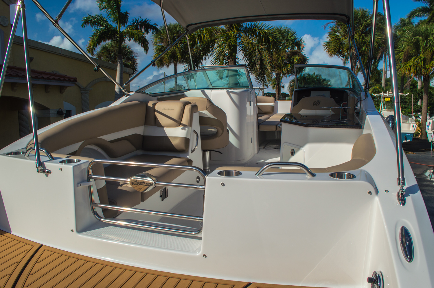 Thumbnail 21 for New 2016 Hurricane SunDeck SD 2690 OB boat for sale in West Palm Beach, FL