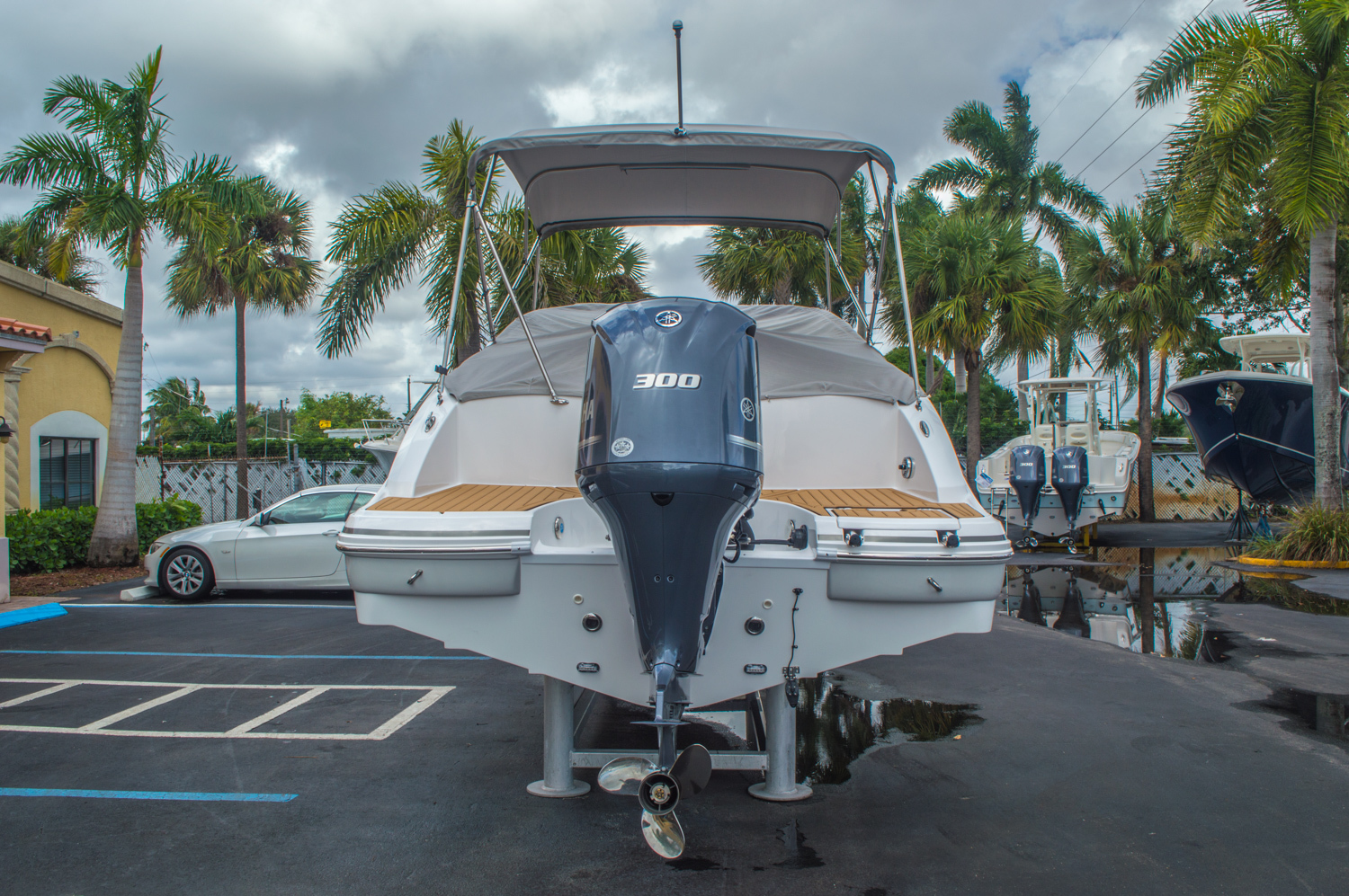 Thumbnail 15 for New 2016 Hurricane SunDeck SD 2690 OB boat for sale in West Palm Beach, FL