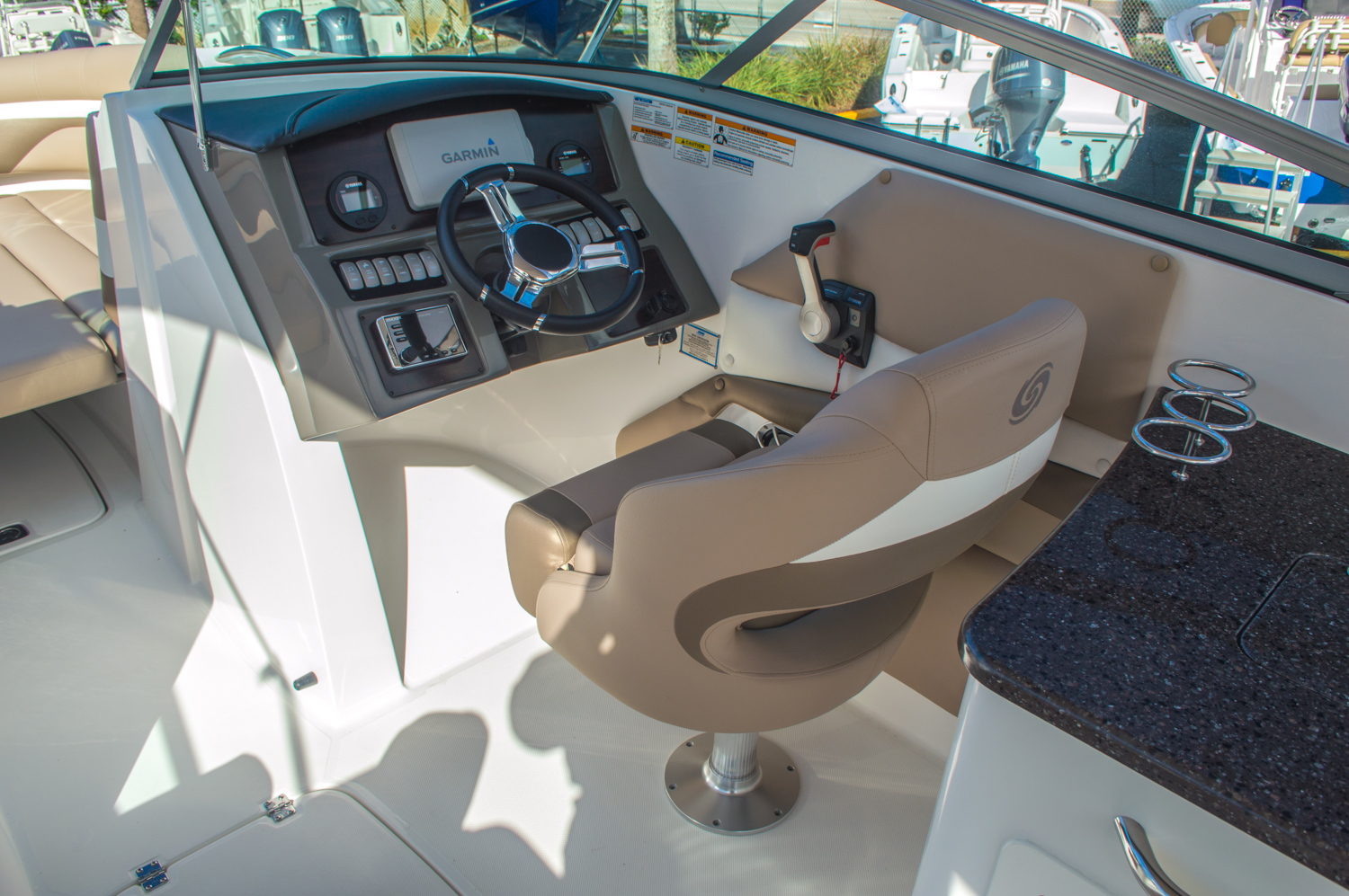 Thumbnail 40 for New 2016 Hurricane SunDeck SD 2690 OB boat for sale in West Palm Beach, FL