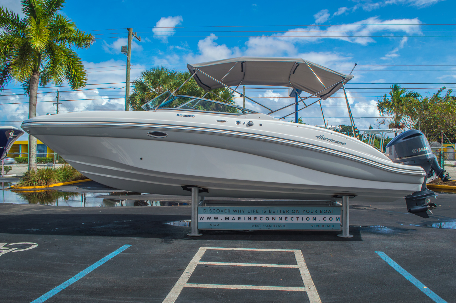 Thumbnail 4 for New 2016 Hurricane SunDeck SD 2690 OB boat for sale in West Palm Beach, FL