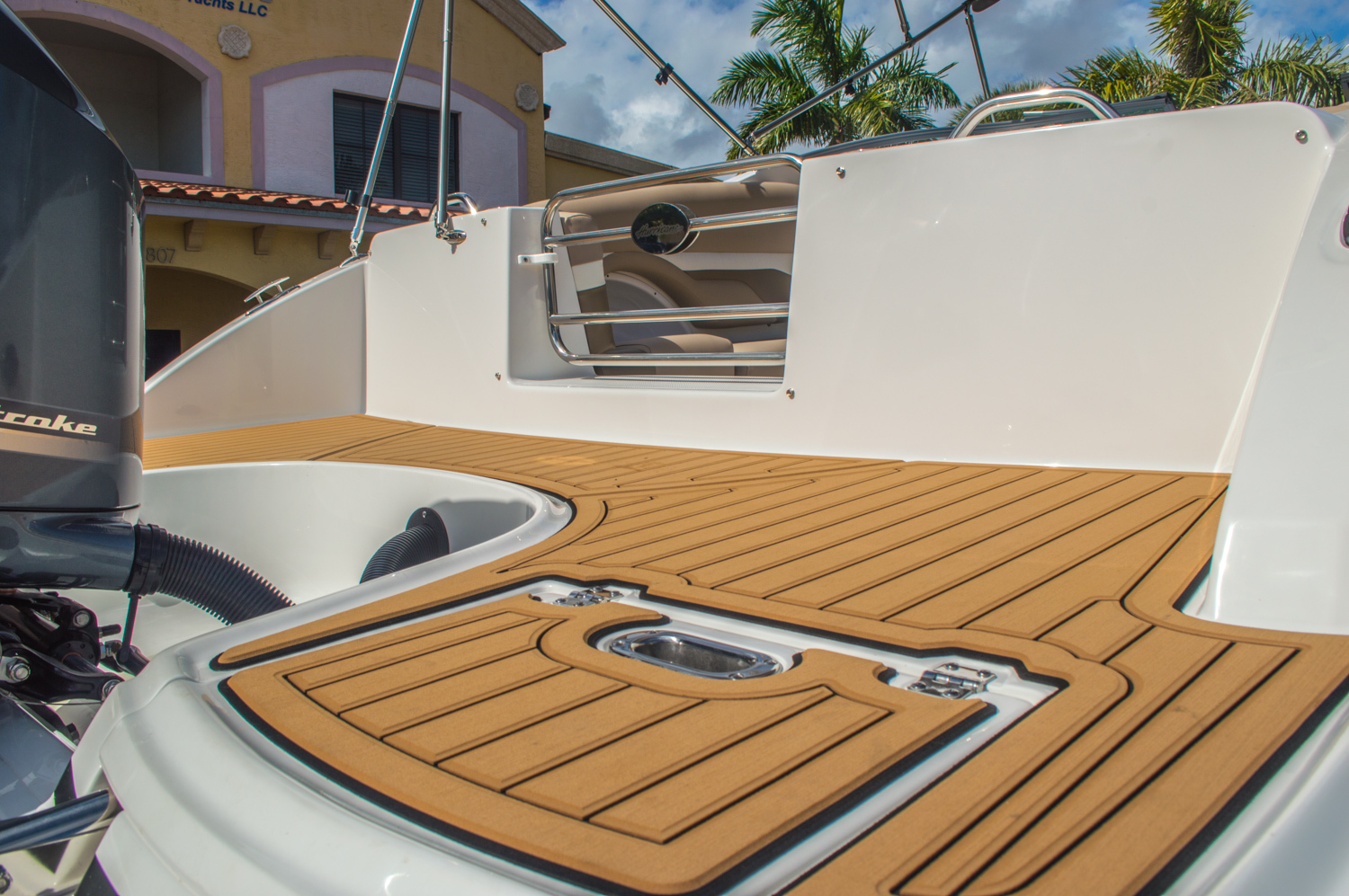 Thumbnail 20 for New 2016 Hurricane SunDeck SD 2690 OB boat for sale in West Palm Beach, FL