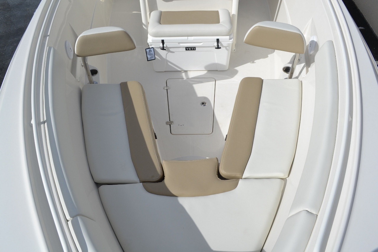 Thumbnail 17 for New 2016 Sailfish 290 CC Center Console boat for sale in West Palm Beach, FL